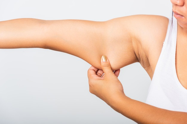 Cirugías estéticas para eliminar las alas de murciélago