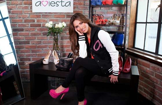 Mia Palette, el más reciente producto de RBD y Anahí