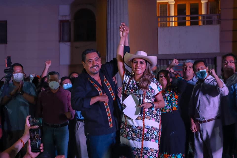 Evelyn Salgado recibe constancia de mayoría como gobernadora electa de Guerrero