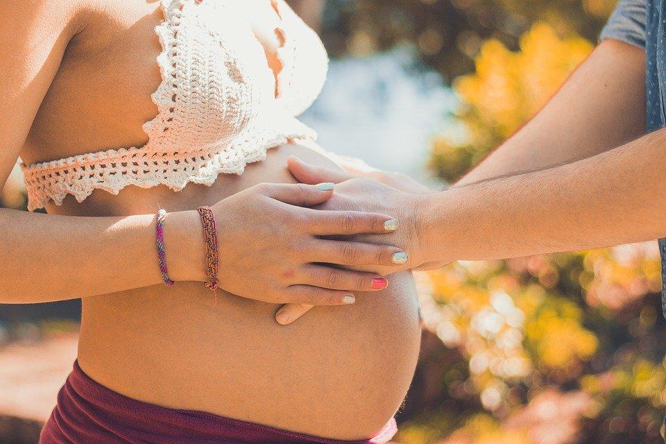 ¿Qué significa soñar que tu amiga está embarazada?