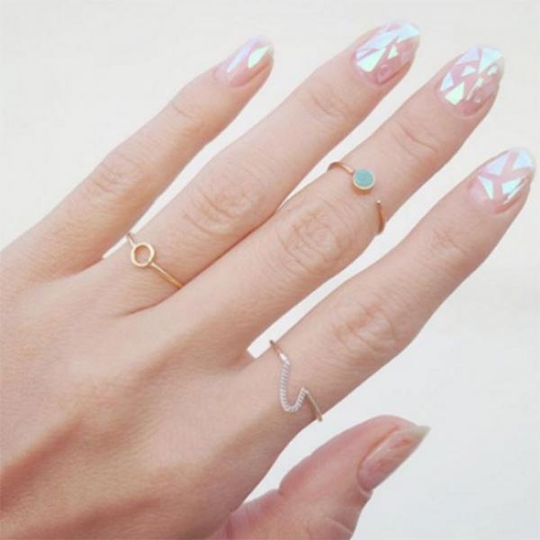 ¿Cómo hacer glass nails en casa?